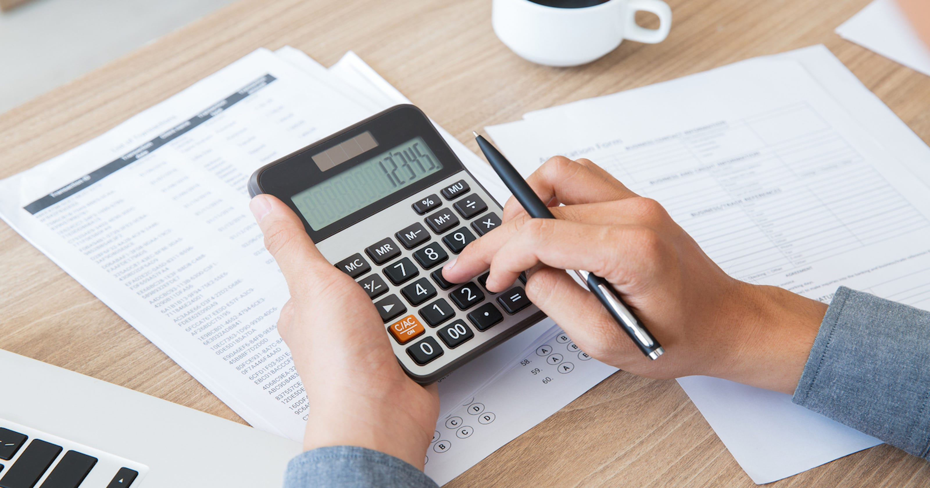 What is the minimum income to file taxes in 2019?