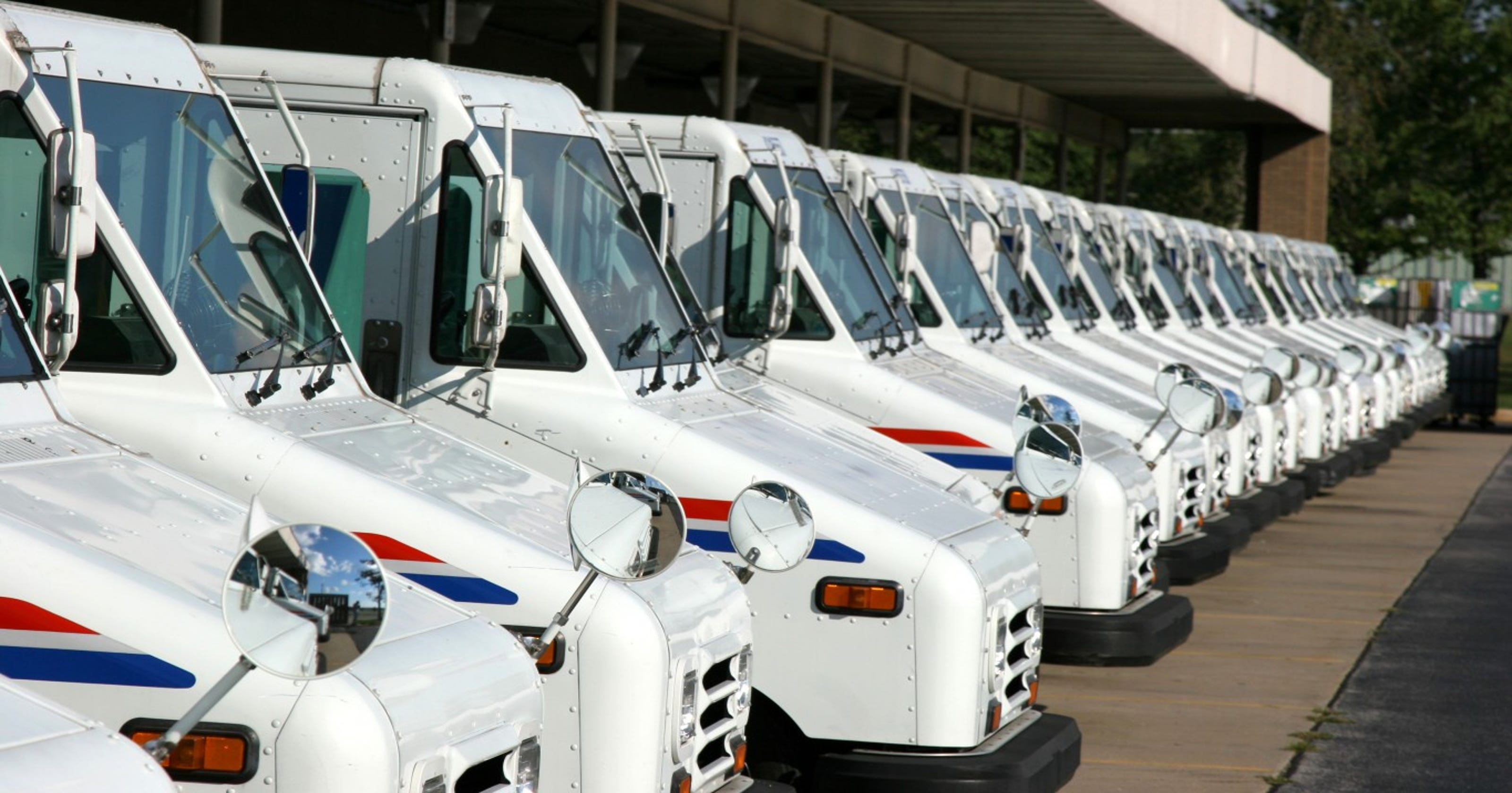 Heat safety: USPS workers in Arizona want air conditioning