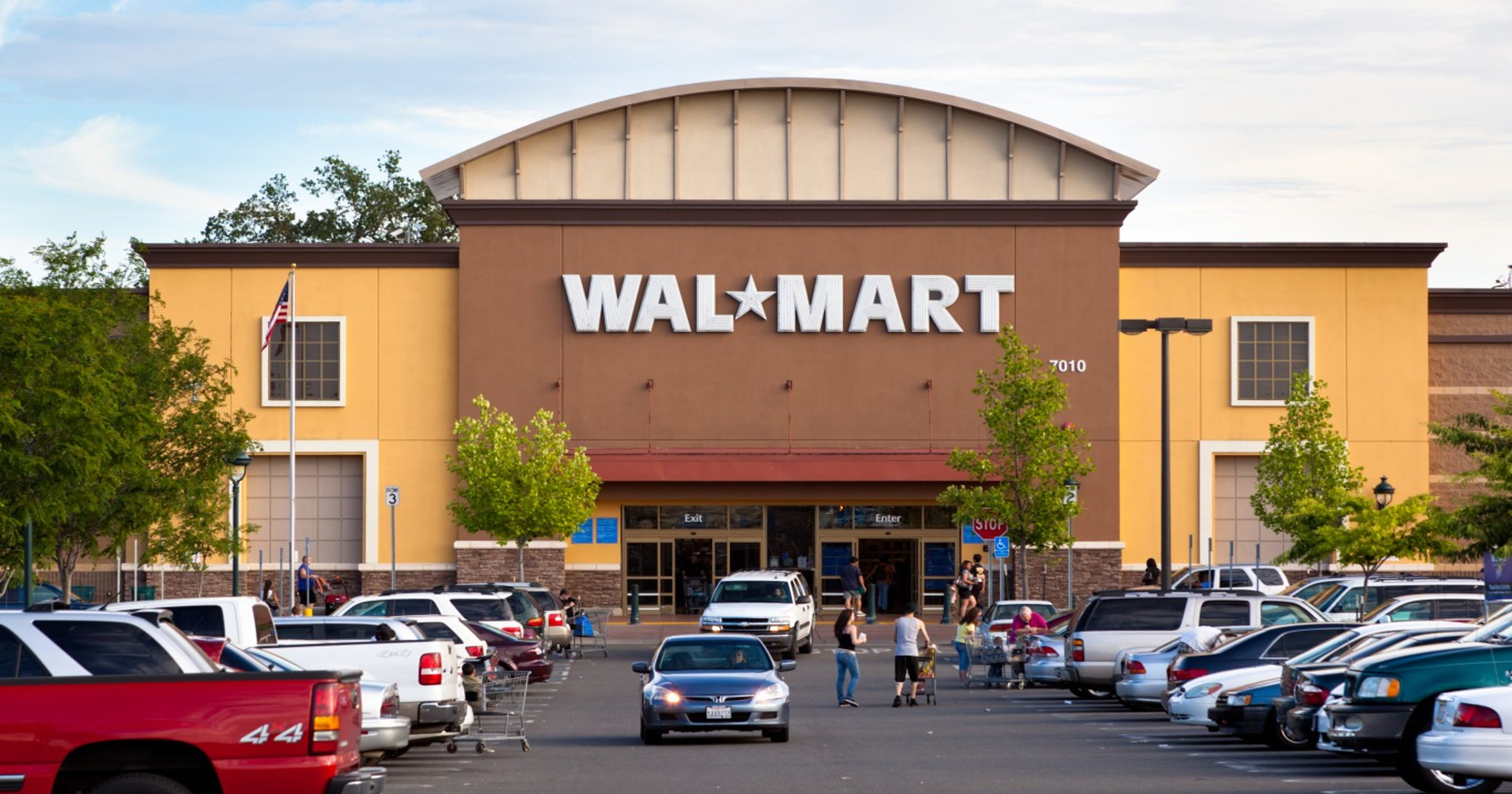 How Do I Find My Win One Walmart >> Walmart S Helping More Employees Earn A Degree For A A Dollar A Day