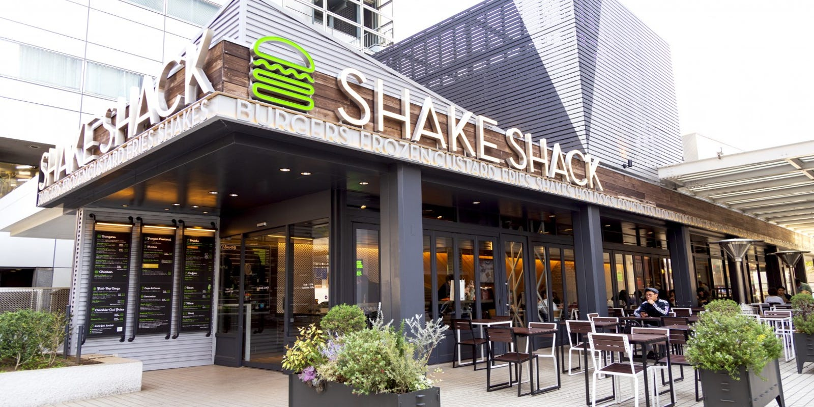 Shake Shack manager sues NYPD, New York City over false claims his store poisoned officers