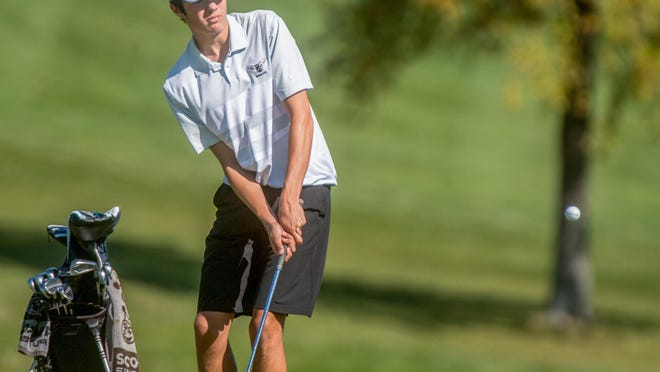 Dunlap junior Jack Cekander chips on No. 4 during the Class 2A Chillicothe Regional on Wednesda, Oct. 7, 2020 at Arrowhead Country Club in Edelstein.
