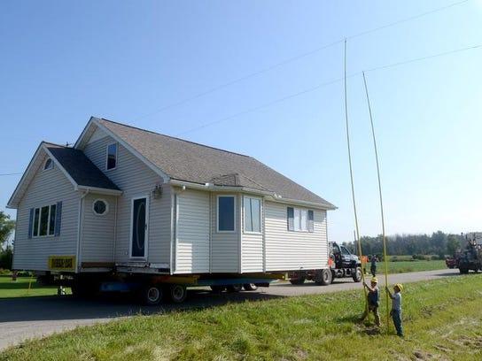 PTH0826 HOUSE MOVE011.JPG