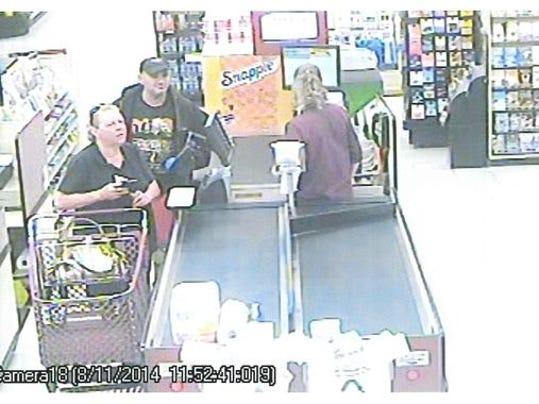 B 1408131961000-Purse-Suspects.jpg
