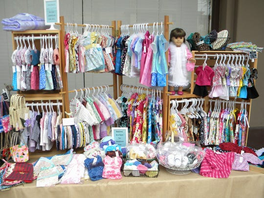 East Valley residents Nancy Niemeyer and Phyllis Derosett operate Sew Many Friends and sell handmade items at festivals.