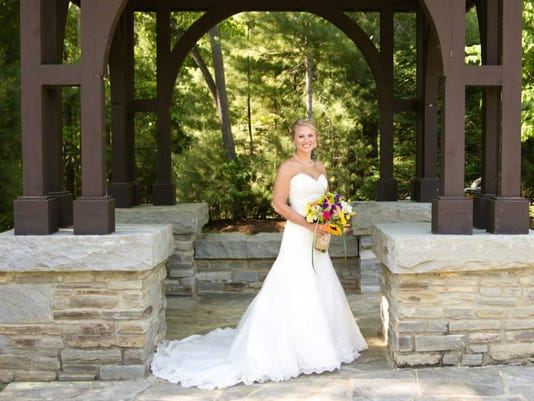 BMN 082715 A6 Wedding announce