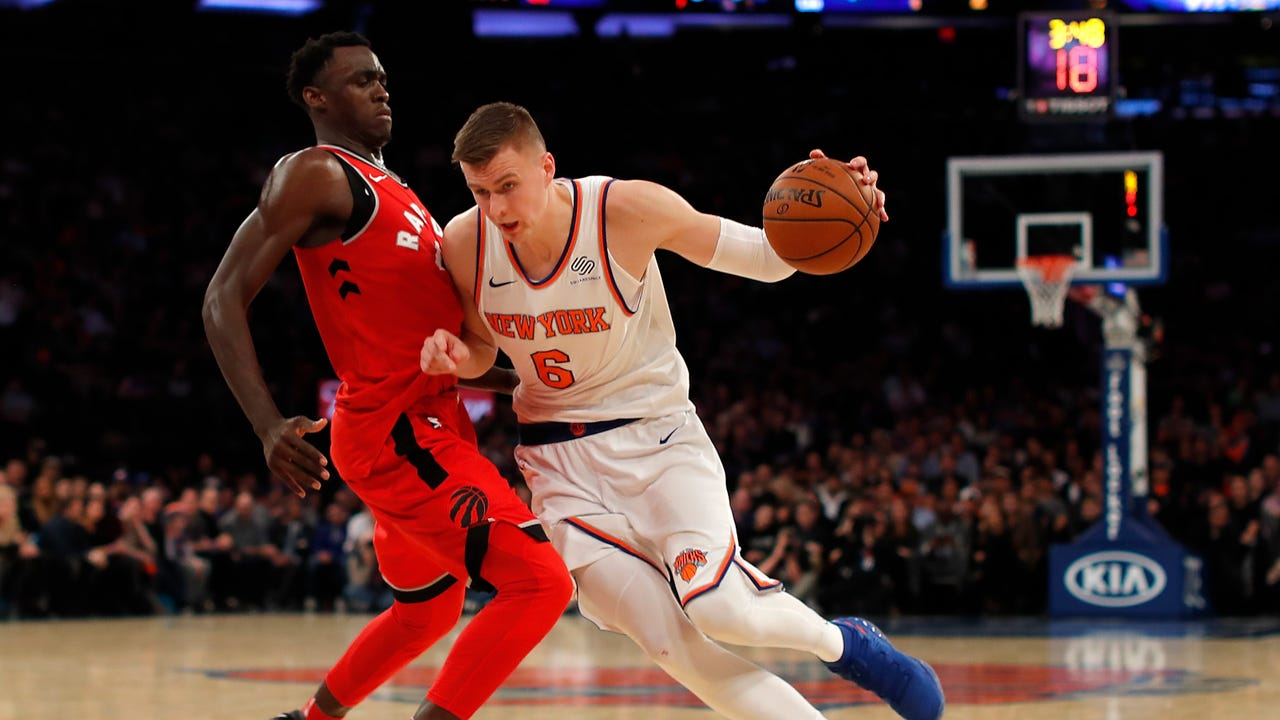 Video: Knicks' Porzingis on his back problem