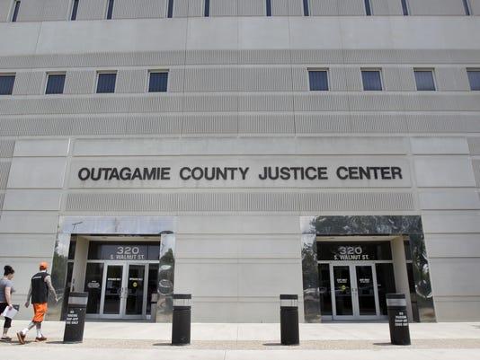 636141194837109071-APC-OutagamieCo-justice-center.jpg