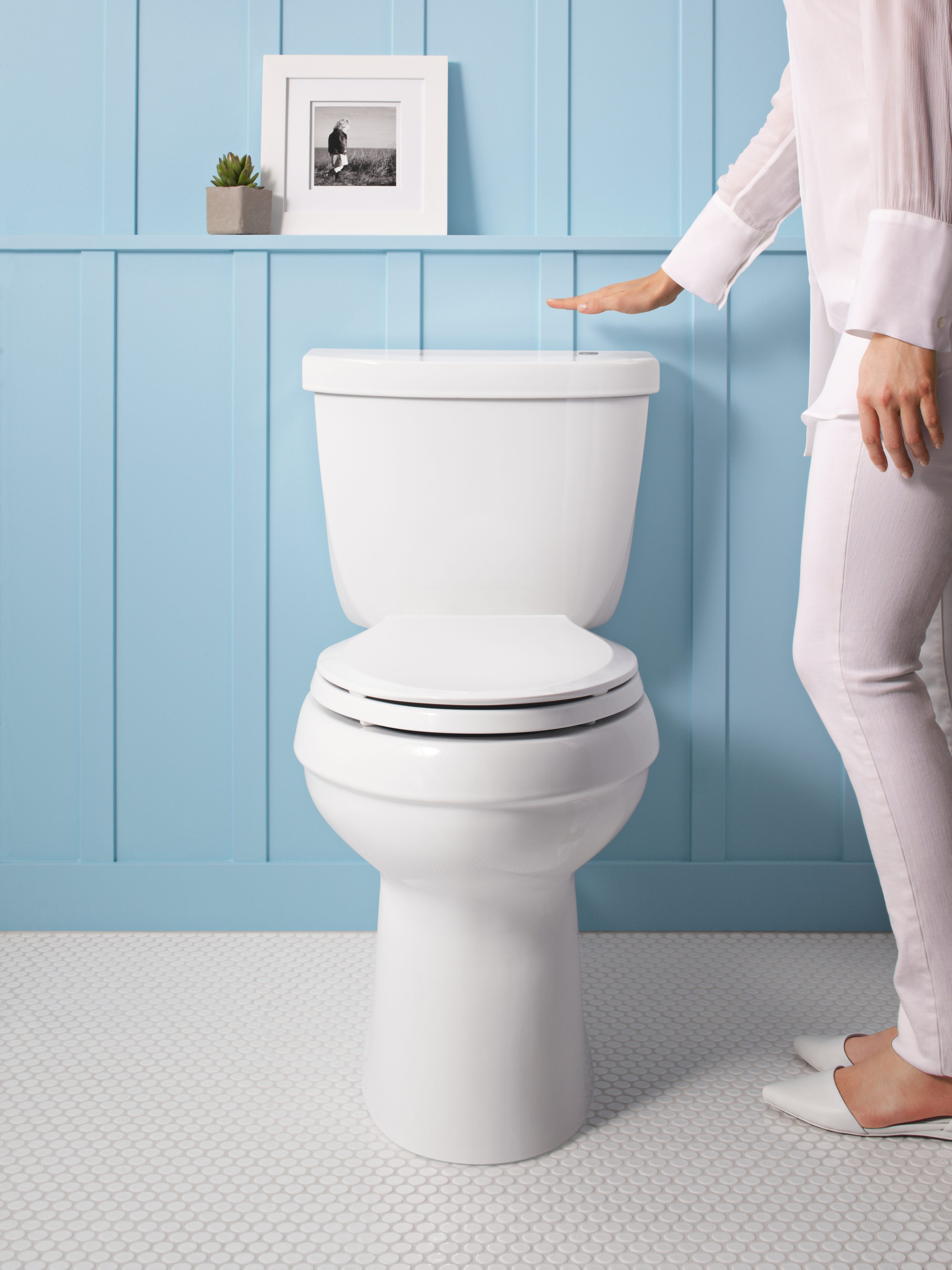touchless cimarron toilet lets you experience notouch flushing at home photo kohler