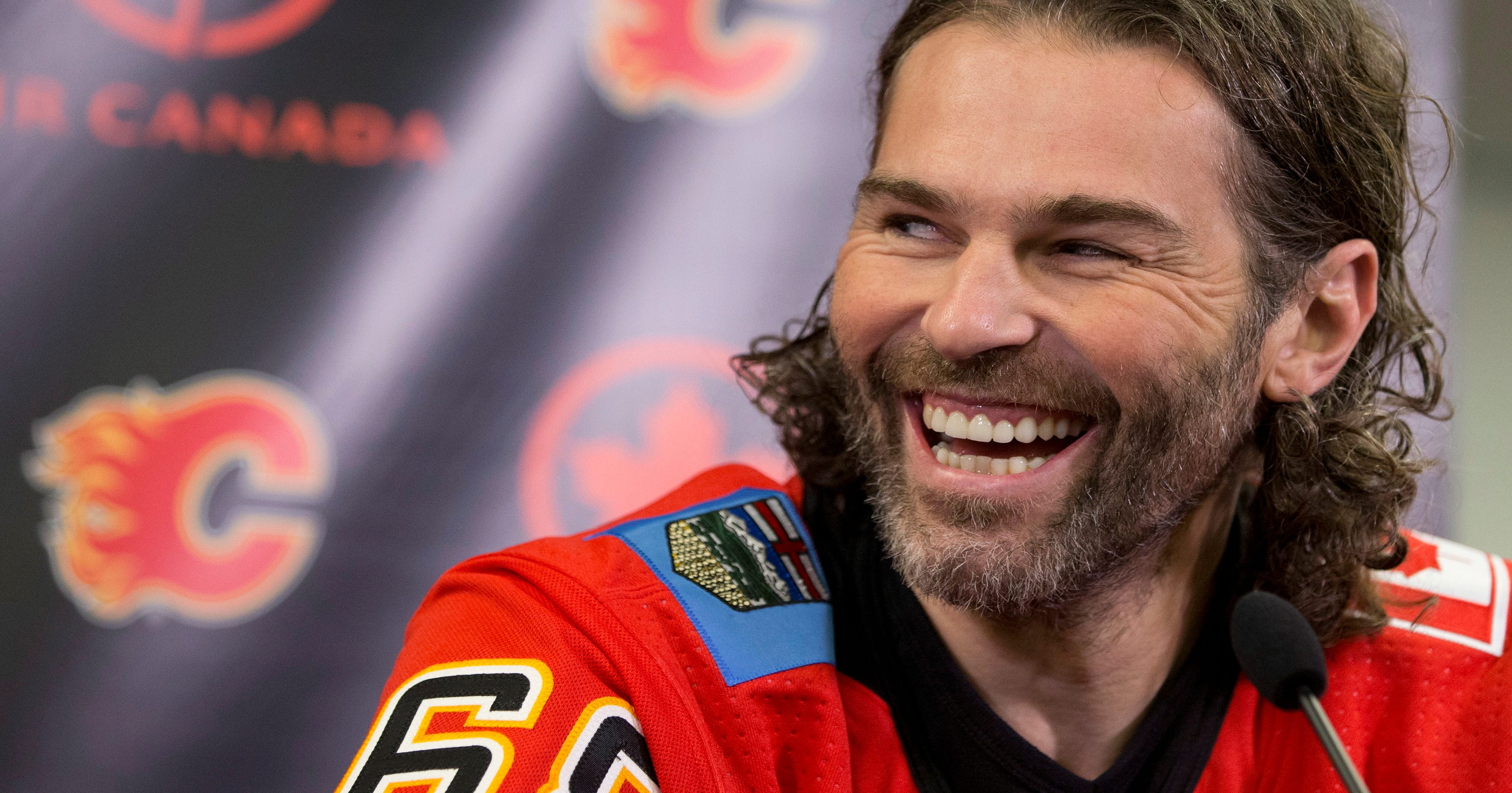timeless design 01309 8ed65 Flames sign 45-year-old Jaromir Jagr to 1-year deal