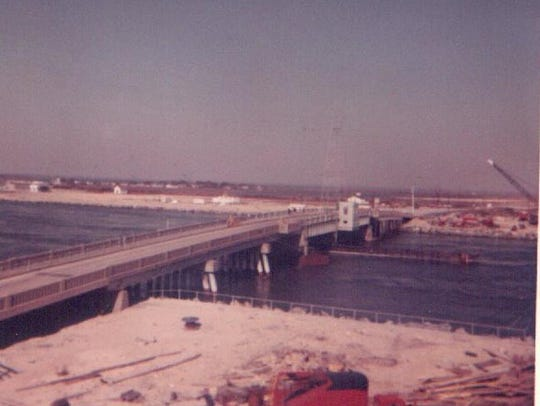 An early bridge over the Indian River Inlet, date unknown.