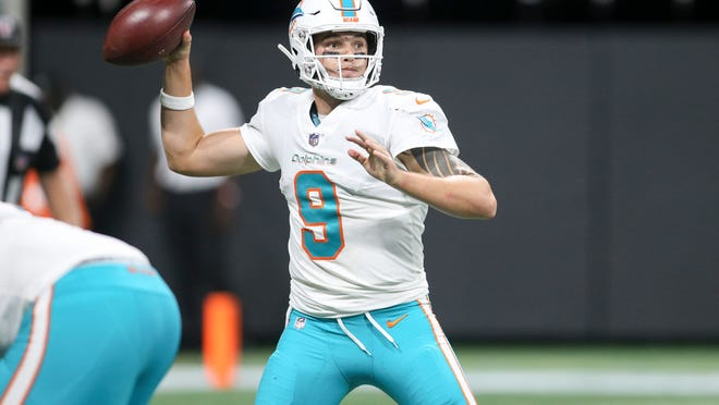 Former Palma quarterback David Fales (9) has spent the last two seasons in Miami backing up Jay Cutler and Ryan Tannehill.