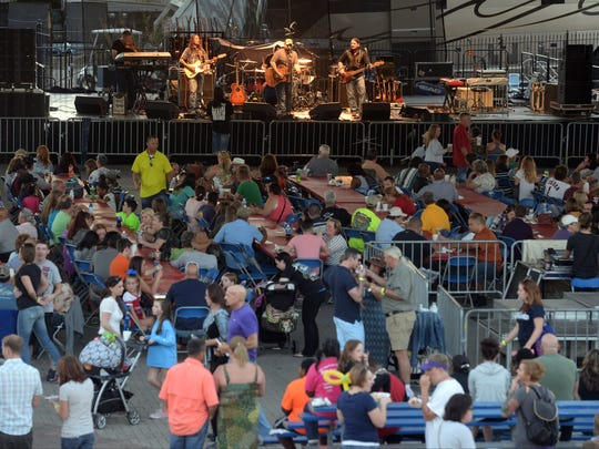 Cody Cooke & the Bayou Outlaws packs in the crowd Saturday