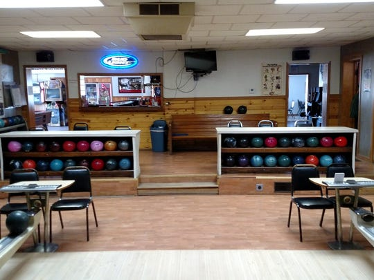 D's Burger and Bowl in Prentice is a combination bowling alley, bar and restaurant the business caters to local bowlers and tourists serving up burgers, chicken, fish fries, homemade chimichangas and beer.