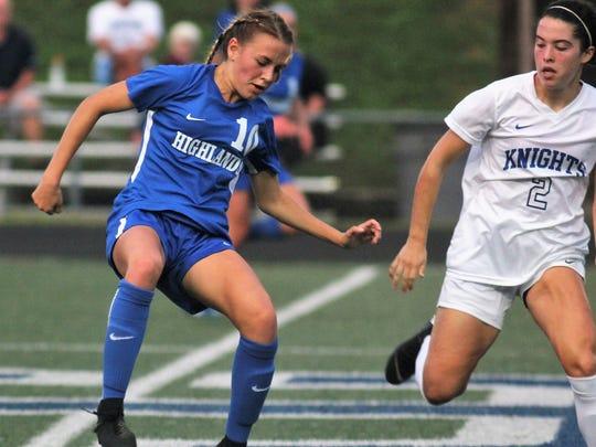 Highlands senior Lindsey Meyer controls the ball during
