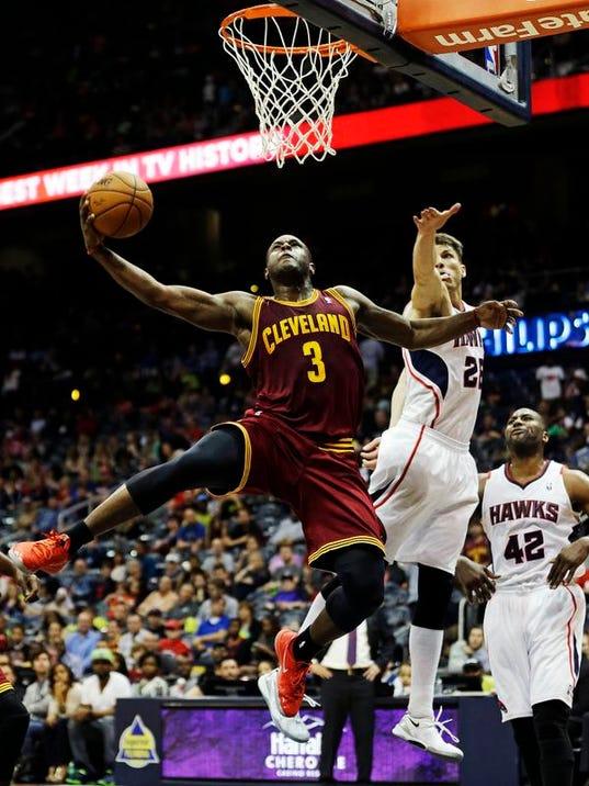 Cavaliers Hawks Baske_Wald.jpg