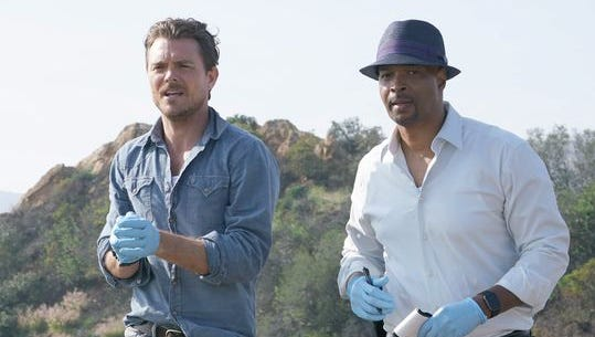 Clayne Crawford and Damon Wayans in 'Lethal Weapon,' a remake of the movie franchise.