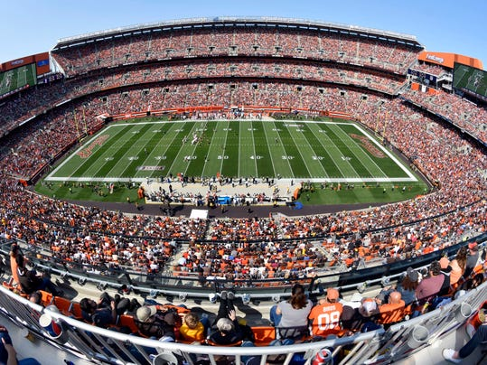 Cleveland Browns fans watch the Browns play the Pittsburgh Steelers during the first half of an NFL football game, Sunday, Sept. 10, 2017, in Cleveland. (AP Photo/David Richard)