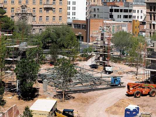 The city engineer in charge of San Jacinto Plaza renovations is leaving the post July 31, officials said.