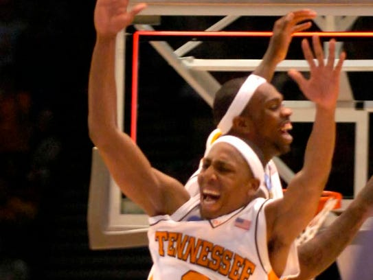 Tennessee's Tyler Smith and JaJuan Smith celebrate