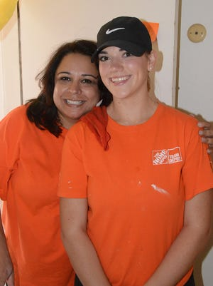 Edna Zubia, left, and Taylor Gilette