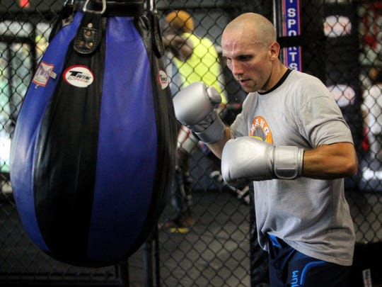 Tallahassee's Josh Lindsey trains for an upcoming MMA