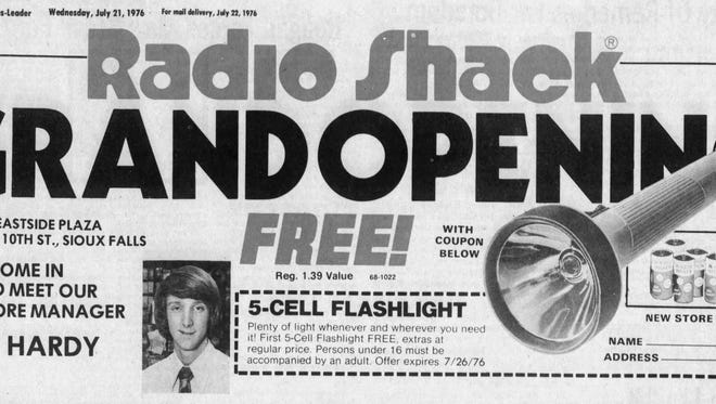 Radio Shack grand opening advertisement in a 1976 Argus Leader.