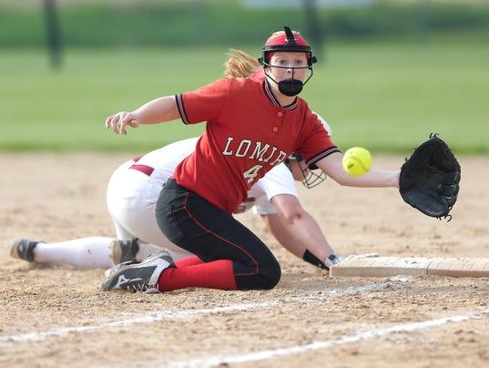636622712323941583-FON-lomira-vs-mayville-softball-051818-dcr321.jpg