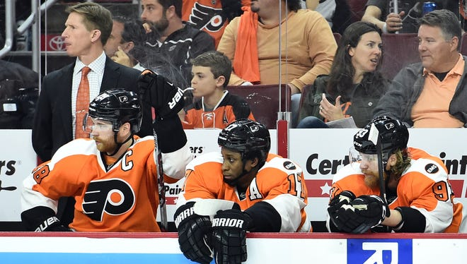 Flyers coach Dave Hakstol made several lineup changes for Game 4.