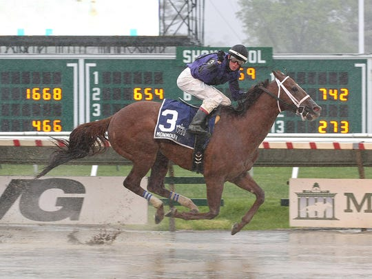 Rainbow Heir wins the Wolf Hill Stakes on opening day