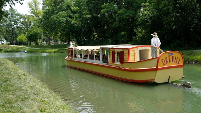 The Delphi ferries guests along the Wabash & Erie Canal.
