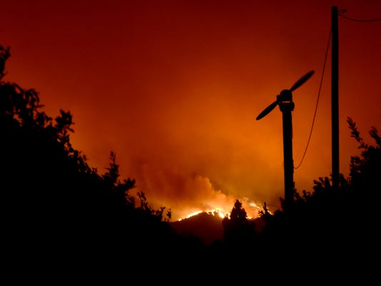 Santa Paula-Fire_Monday.JPG