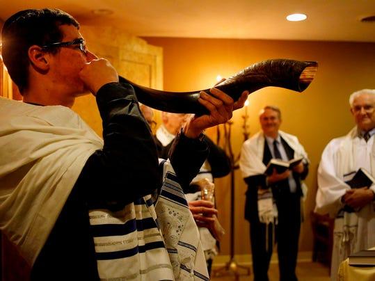 APC Jewish Holy Days_100414_rbp040.jpg