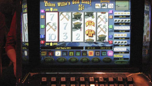 Does kentucky downs have slot machines