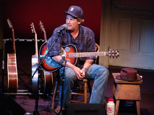 "Jeff Daniels' ""Onstage & Unplugged"" show will be at the Purple Rose Theatre in Chelsea Dec. 26-31."