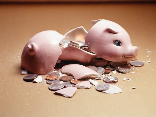 XXX_BROKEN_PIGGY_BANK_26028527