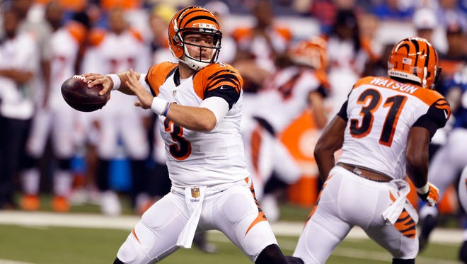 Cincinnati Bengals quarterback Keith Wenning (3) throws a pass against the Indianapolis Colts at Lucas Oil Stadium. Cincinnati defeats Indianapolis 9-6.