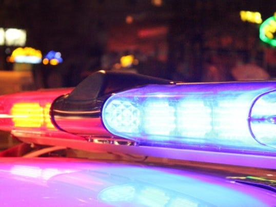 635844874967437390-police-lights.jpg