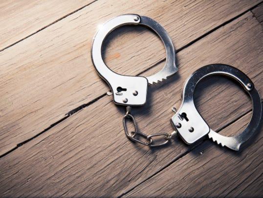 636325314839730758-cuffs.jpg