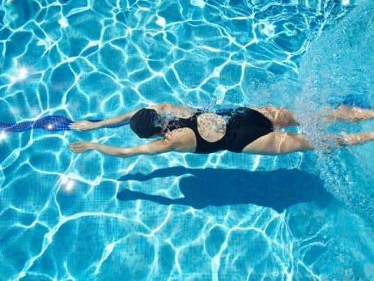 swimming_photo