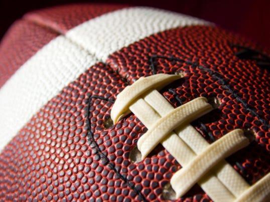 635512631640064360-football