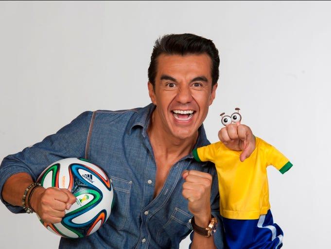 Adriaán Uribe y El Compayito listos para Brasil. Cortesía Televisa