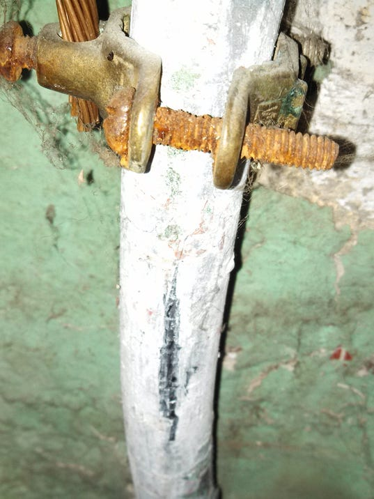 635896669250255155-corroded-lead-pipe.jpg