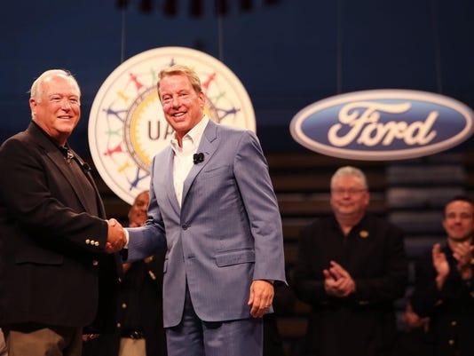 Ford-UAW-handshake