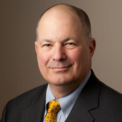 Dennis Murray, president of Marist College since 1979, announced Saturday that he will retire in 2016.
