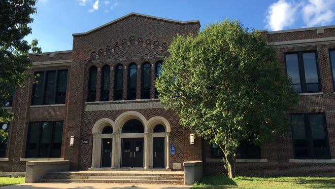 Des Moines Public Schools' Warren G. Harding Middle School