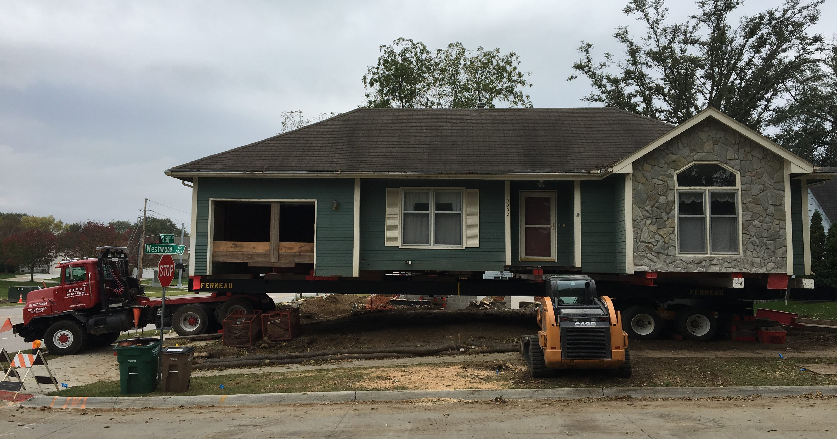 this west des moines house will move 3 5 miles east to a new lot in