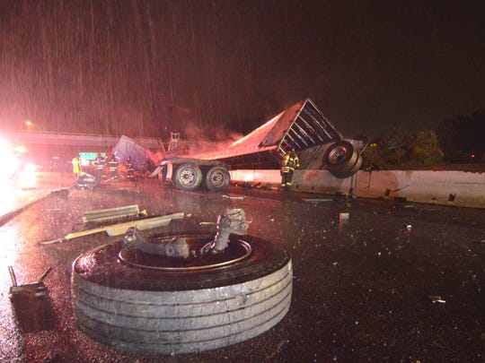A tractor trailer crashed on I-95 NB early Thursday morning and completely shut down the roadway.