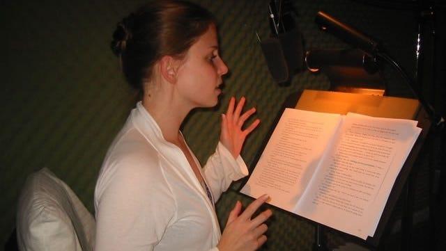 julia whelan narrator