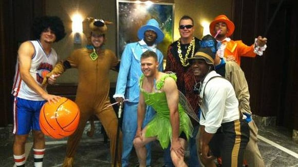 Chipper Jones joins Braves rookies in crazy costumes