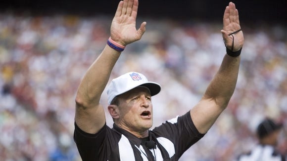 Ed Hochuli is Twitter-approved